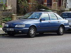 1992 Ford Sierra 2.0i Ghia Auto (Neil's classics) Tags: vehicle 1992 ford sierra ghia 20i