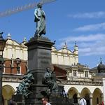 Pomnik Adama Mickiewicza na Rynku Głównym w Krakowie thumbnail