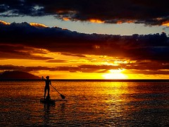 surfpaddle on Pointe Venus (D. [SansPretentionAucune] (•̪●)  ✪) Tags: tahiti pointevenus surfpaddle pacific frenchpolynesia polynesia polynesiefrançaise sunset beach sunsetbeach mahina