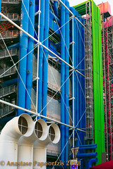United Colors of Pompidou.jpg (anastase.papoortzis) Tags: france frança landscape paris pompidou city cityscape ctyoflights europe romantic wideangle