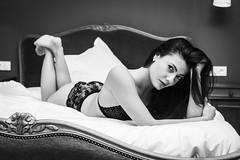 Graziela (Lievinshoot) Tags: portrait regard lingerie lit chambre