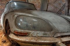 Oldtimer barn (Wutske) Tags: abandoned urbanexploration urbex car classic citroen hdr rust chrome indicator barn headlight decay decayed