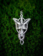 Elessar (ONE_Lukas) Tags: green the lord rings lotr elessar elfstone jewelry necklace