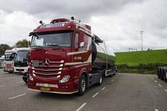 Mercedes-Benz Actros GS van den IJSSEL 185 met kenteken 27-BFF-3 in Hoek van Holland 22-09-2018 (marcelwijers) Tags: mercedesbenz actros gs van den ijssel 185 met kenteken 27bff3 hoek holland 22092018 mercedes benz new truck trucks lkw camion vrachtwagen vrachtauto nederland niederlande netherlands pays bas
