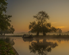 Early start (mike_reid.5710) Tags: em1ii trees olympus berkshire river sonning thamesvalley sunrise landscape boats dutchbarge reflection england