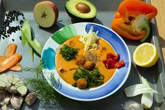 Суп с фрикадельками QJ4A0858 (info@oxumoron.com) Tags: suppe soups супы чеснок garlic knoblauch яблоко apfel apple pfeffer peper перец karotte carrot морковь zitrone lemon лемон авокадо avocado avokado vegetables gemüse овощи