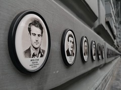 Budapest | House of Terror (Toni Kaarttinen) Tags: hungary ungarn hongria hungría ungheria unkari hognrie hungria budapest budapeŝto budapeste summer holiday terror faces