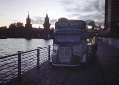Berliner sunset (Analog World Thru My Lenses) Tags: fujicadrive fujicolor200 september 2018 berlin film half halfframe halfformat analog 35mm citroen hf cofee streets