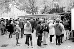9535   Wochenmarkt bei der Sankt Katharinenkirche in der Hamburger Altstadt. (christoph_bellin) Tags: sankt katharinenkirche hansestadt hamburg stadtfotograf stadtfotografie bilder hamburgfotos hamburgfotografie hamburgfotograf stadtteil hamburgaltstadt alststadt bezirk mitte hamburgmitte wochenmarkt marktstand marktstände