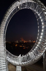 Tiger & Turtle (4) (Guido Rabea) Tags: sony 77m2 duisburg nacht tigerandturtle industrie