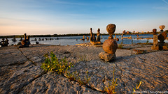 Sunset by Ottawa River (umakantht) Tags: ottawariver ottawa ontario canada nikon d810 nikkor nikkor1424mmf28 landscapes landscape sky water river nature blue wideangle stones sculptures