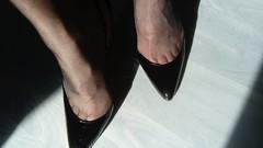 DSC_0495 (grandmacaon) Tags: highheels hautstalons toescleavage talonsaiguille lowcut lowcutshoes sexyheels stilettos