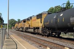 Hermann MO, USA (Paul Emma) Tags: usa missouri hermann railway railroad dieseltrain train unionpacific 7699 2602 4400