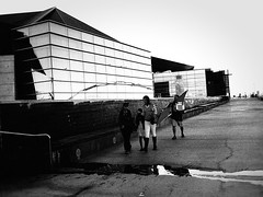 tempe PB027691 (m.r. nelson) Tags: tempe arizona az america southwest usa mrnelson marknelson markinaz streetphotography urban urbanlandscape artphotography documentaryphotography blackwhite bw monochrome blackandwhite grainy highcontrast noiretblanc