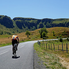 Monts du Cantal, Auvergne, France (pom'.) Tags: panasonicdmctz101 august 2018 d62 cantal auvergne auvergnerhônealpes massifcentral puymary montsducantal volcano cheylade paysdegentiane murat saintflour 15 bike bicycle roadpicture grandsitedefrance lamaurinie pasdepeyrol 942 1588 200 100 300 france europeanunion 5000