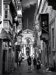 Triq San Zakkarija, Valletta .... ; (c)rebfoto (rebfoto ...) Tags: people road architecture rebfoto urban valletta triqsanzakkarijavallettamalta oldcity