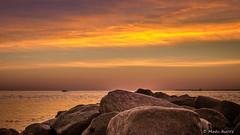 IMG_6792-HDR.jpg (markobablitz) Tags: sonnenaufgang kiel förde meer wasser felsen küste canoneos70d himmel wolken sonne