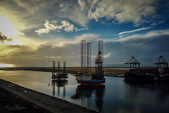 Maasvlakte Offshore | DJI Mavic Pro (Rico Plooster) Tags: drone dji djimavicpro mavic photography fotografie luchtfotografie luchtfoto aerialview aerialphoto aerial picture dutch thenetherlands maasvlakte offshore boorplatform oilrig maerskresilient bolga prinses amaliahaven