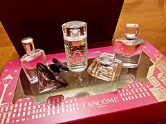Perfumes Lancome (Gabriela Andrea Silva Hormazabal) Tags: perfumes perfume parfum eaudeparfum lancome lavidaesbella o tressor miracle nuit