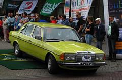 1977 Mercedes-Benz 200 D (W123) (rvandermaar) Tags: 1977 mercedesbenz 200 d w123 mercedesbenz200d mercedesbenzw123 mercedesw123 mercedes200d mercedes sidecode3 import 89yb91