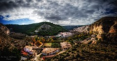 Panorámica de Alcalá del Júcar (franlaserna) Tags: nikon naturephotography españa spain village panoramic panorámica paisaje nubes clouds landscape nature