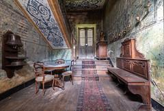 (Leonardo Fazio) Tags: hall mansion stairs nikon abandon abandoned castle château urbanexploration urbexer urbex