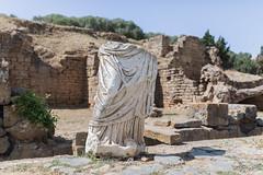 2018/07/05 16h13 ruines du Chellah (Rabat) (Valéry Hugotte) Tags: 35mm antiquité chella chellah maroc rabat canon canon5d canon5dmarkiv romain ruines sculpture statue rabatsalékénitra ma
