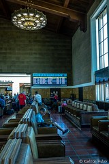 DTLA - Union Station - Waiting Area_1133 (www.karltonhuberphotography.com) Tags: 2018 departures karltonhuber losangeles people peoplewatching sign southerncalifornia streetphotography talking trainstation unionstation verticalimage waitingarea