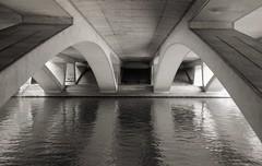 M25 Thames bridge, Runnymede (OhDark30) Tags: olympus 35rc 35 rc 35mm film monochrome bw blackandwhite bwfp fomapan 200 rodinal river thames path m25 motorway bridge runnymede concrete ovearup 1978