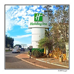 holiday inn sign (harrypwt) Tags: harrypwt africa afrika samsungs7 s7 city travel ghana accra 11 square borders framed people hotel sign green