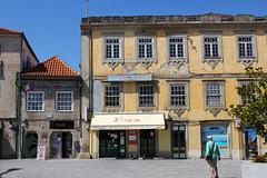 Vila Real (hans pohl) Tags: portugal douro vilareal places squares bâtiments buildings fenêtres windows architecture