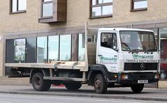 J725 YEV (Nivek.Old.Gold) Tags: 1992 mercedes 814 flat 5958cc woollardsbuildersmerchants mildenhall timber sheetmaterials