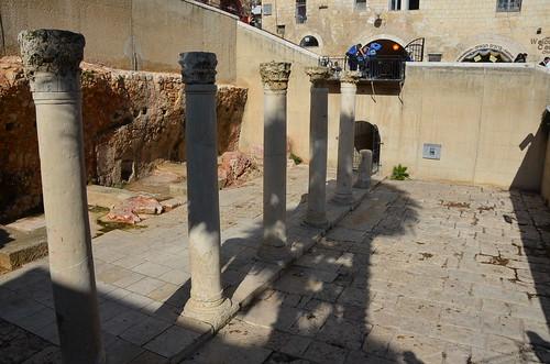 Columns leading under