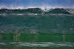 The big wave (Ciceruacchio) Tags: waves vagues onda sea mer mère mare ocean oceano acqua breakingwave vaguedéferlante ondadirottura atlanticcoast costaatlantica côteatlantique medoc france francia frankreich nikond750