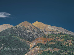 Andorra mountain landscape: Altitude 2000+ collection. La Massana, Vall nord, Andorra (lutzmeyer) Tags: 300mmmf andorra europe gebirge iberia iberianpeninsula lamassanaparroquia lutzmeyer picdarcalis picdepercanela2495m pirineos pirineus pyrenees pyrenäen vallnord autumn berg berge bild foto fotografie gebirgszug herbst iberischehalbinsel image imagen imatge landscape landschaft lutzlutzmeyercom mfmediumformat montana montanas mountain mountains muntanya muntanyes october octubre oktober otono paisaje paisatge parroquia percanela photo photography picture rural sonnenaufgang sortidadelsol sunrise tal tardor tele valley anyos lamassanavallnord