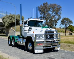 Mack V8 Valueliner (quarterdeck888) Tags: trucks truckies transport australianroadtransport roadtransport lorry primemover bigrig overtheroad class8 heavyvehicle highway road truckphotos nikon d7100 movingtrucks jerilderietrucks jerilderietruckphotos quarterdeck frosty expressfreight generalfreight logistics overnightfreight highwayphotos semitrailer semis semi flickr flickrphotos albury alburyconvoyforkids alburyconvoyforkids2018 alburytruckshow truckshow bobtail mack valueliner v8valueliner churchill daycab