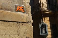 Invader_6577 rue des Bremondis Aix en Provence (meuh1246) Tags: streetart 13 invader ruedesbremondis aixenprovence spaceinvaders mosaïque