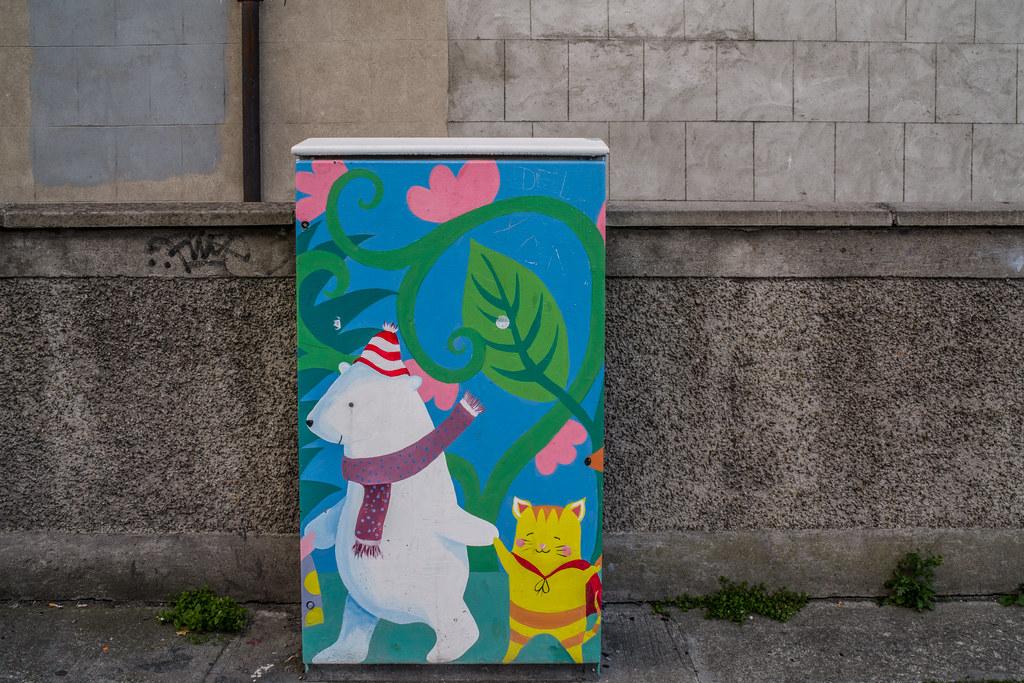 PAINT-A-BOX STREET ART BY JENNY CLEARY [TEMPLE STREET NEAR MOUNTJOY SQUARE DUBLIN]-144908