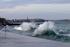 IMG_0086  marée haute à Saint-Malo (gerardstmalo) Tags: wawes vagues tide marée saintmalo