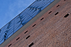 GBD_5407 (Gabriele Diwald) Tags: elbphilharmonie hamburg brick glass