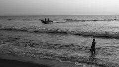 IMG_0499 (Sahan Sanjeewa) Tags: sea sunset fishing coastline people boat srilanka kalutara blackandwhite bnw