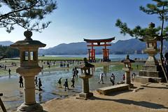 Japan: Miyajima torii (Henk Binnendijk) Tags: japan torii miyajimaisland hatsukaichi hiroshima