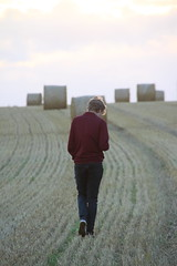 George posing for Vicky (Ian Press Photography) Tags: field fields hay haybales bales sun sunset set dusk lincs lincolnshire