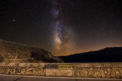 Borders are imaginary lines (Javiralv) Tags: border night astrophotography stars bridge frontera noche astrofotografía estrellas puente