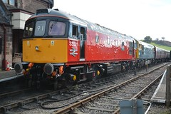 """Parcels Red Class 33/0, 33021 """"Eastleigh"""" & BR Blue Class 33/1, 33102 """"Sophie"""" (37190 """"Dalzell"""") Tags: brblue nonstandard parcelsred brcwco sulzer crompton type3 bagpipe class33 class330 class331 33021 eastleigh d6539 33102 sophie d6513 cvr churnetvalleyrailway cheddleton"""