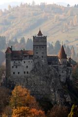 "RO18 1051 Castelul Bran ""Dracula's Castle"" Bran, Brașov (Templar1307) Tags: bran brasov romania castle castelulbran dracula canon1d halloween zoom"
