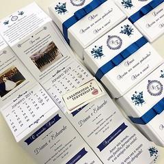 Caixa convite com manual para padrinhos e madrinhas! 😱💙💙 📍Escolha o conteúdo do convite 📍De SP para todo o Brasil 🎁 casamentosetravessuras.com #casamentosetravessuras #casamentoazulroyal #convi (casamentosetravessuras) Tags: instagram facebookpost lembrancinhas personalizadas