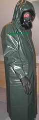 24 (gummifan61) Tags: rainwear raingear gasmaske rubber
