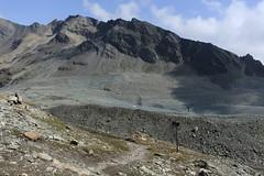 Monts Rouges d'Arolla (bulbocode909) Tags: valais suisse valdesdix montsrougesdarolla montagnes nature paysages sentiers rochers moraines nuages vert bleu groupenuagesetciel