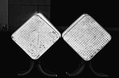 Double jeu - Double-dealing (p.franche Occupé - Buzzy) Tags: table losange minimalisme abstrait abstraction automne rhombus minimalism abstract autumn sony sonyalpha65 dxo photolab bruxelles brussel brussels belgium belgique belgïe europe pfranche pascalfranche schaerbeek schaarbeek skancheli monochrome noiretblanc blackandwhite zwartwit blanconegro schwarzweis μαύροκαιάσπρο inbiancoenero 白黒 黑白 чернобелоеизображение svartochvitt أبيضوأسود mustavalkoinen שוואַרץאוןווייַס bestofbw